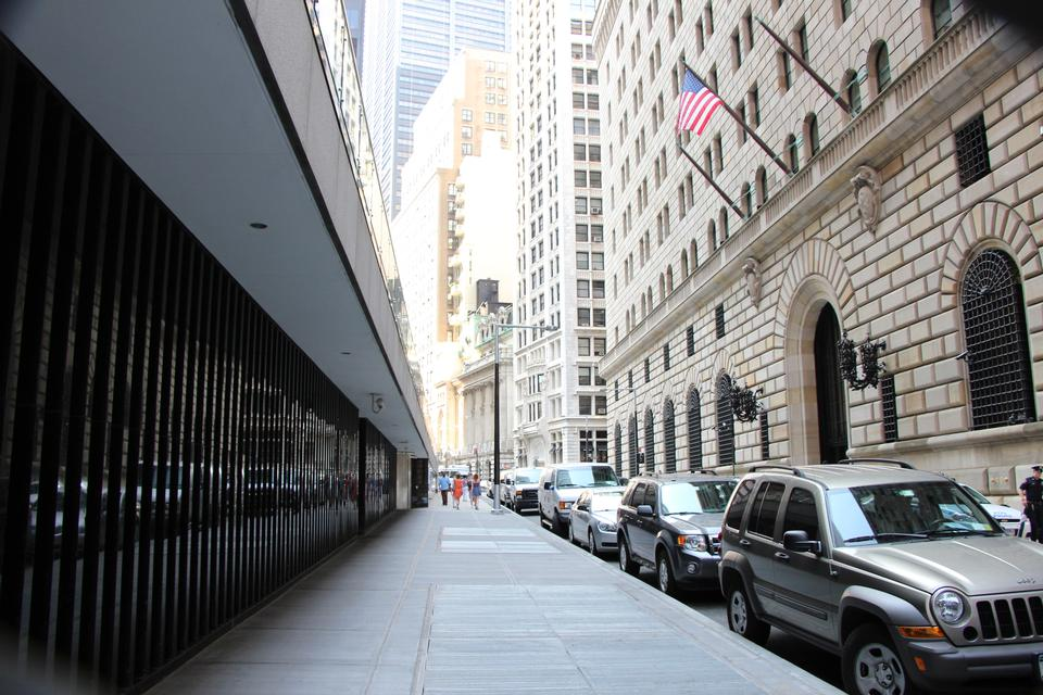 Free Federal Reserve Bank of New York Building