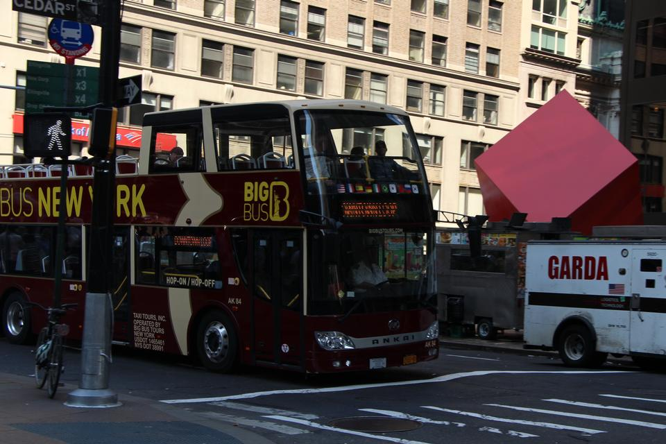 Free New York Sightseeing Hop on Hop off bus in Manhattan