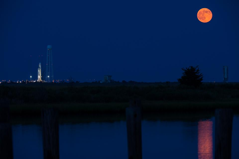 Free Antares Rocket With Full Moon