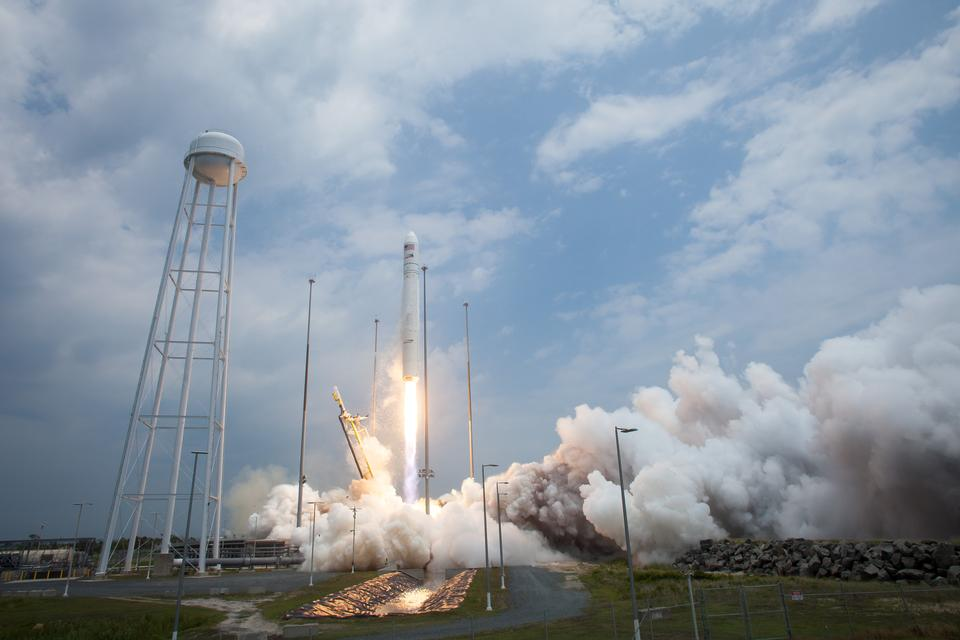 Free Antares Rocket Launches Cargo to Space Station