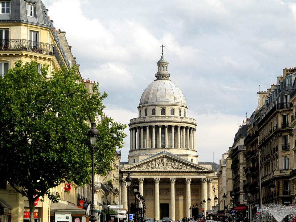 Free Rue Soufflot and the Pantheon