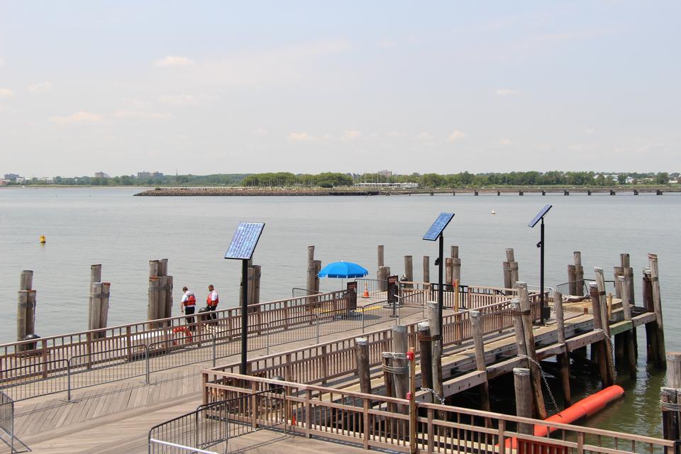 Free Liberty sightseeing boat docks