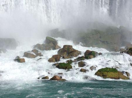 Free American Falls and cruise boat, Niagara
