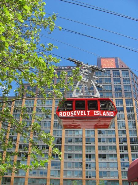 Free Roosevelt Island Tramway  in Manhattan, New York