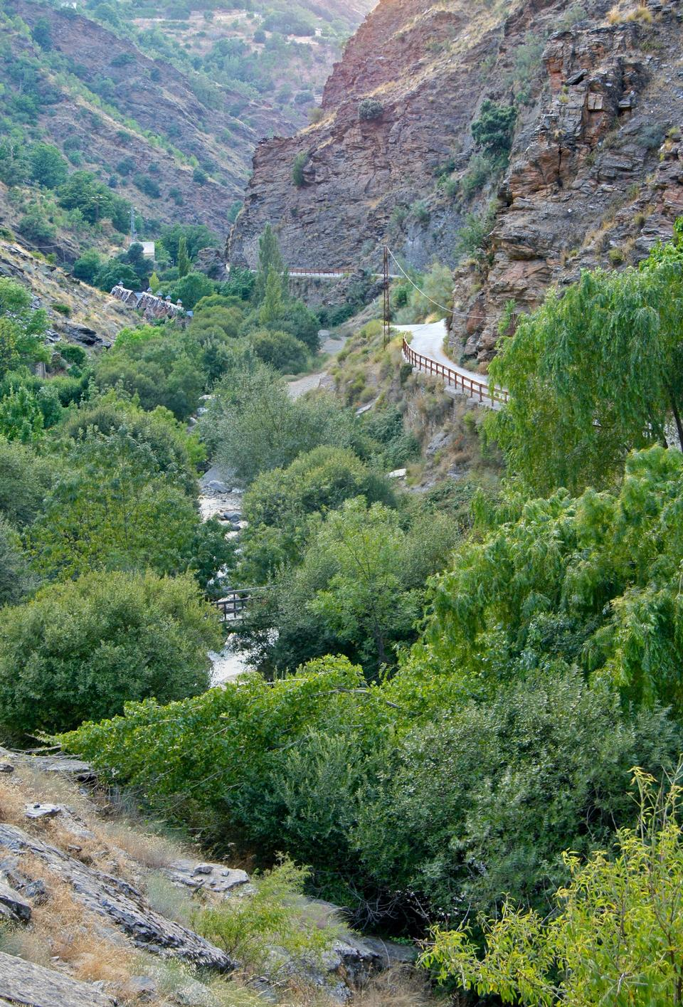 Free The Rio Genil valley, in Sierra Nevada