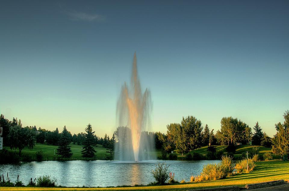 Free Fountain in Rundle Park, Edmonton, Alberta