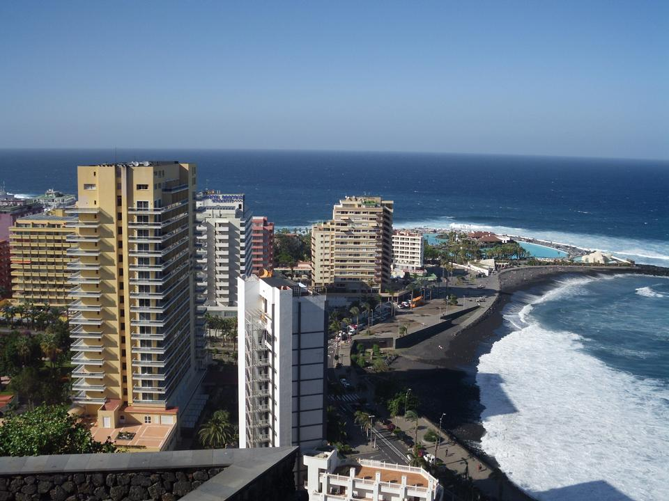 Free coast in Puerto de la Cruz, Tenerife, Spain