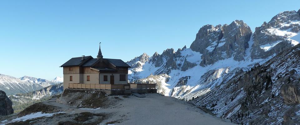 Free Auronzo refuge and Cadini di Misurina range, Dolomite Alps, Italy