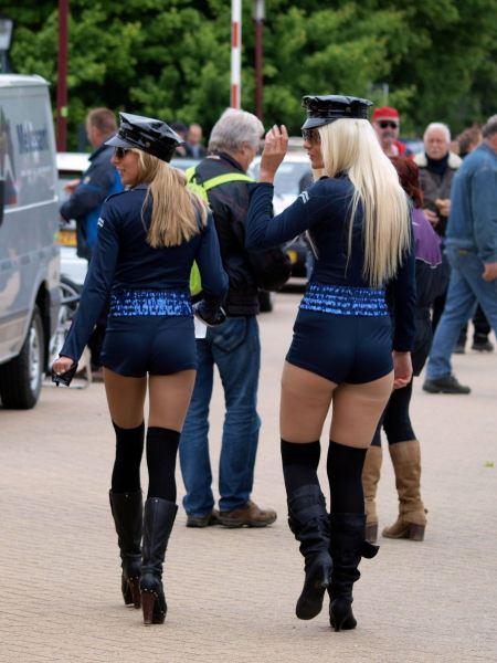Free Policewoman in  Rokanje classic motor race