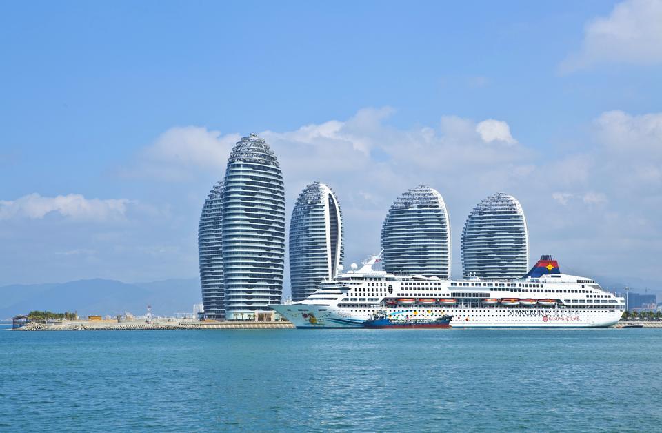 Free Superstar Aquarius  at Phoenix Island, Sanya Bay, Hainan, China