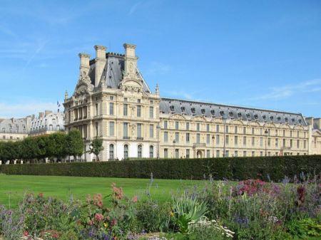 Free Palais du Louvre Museum