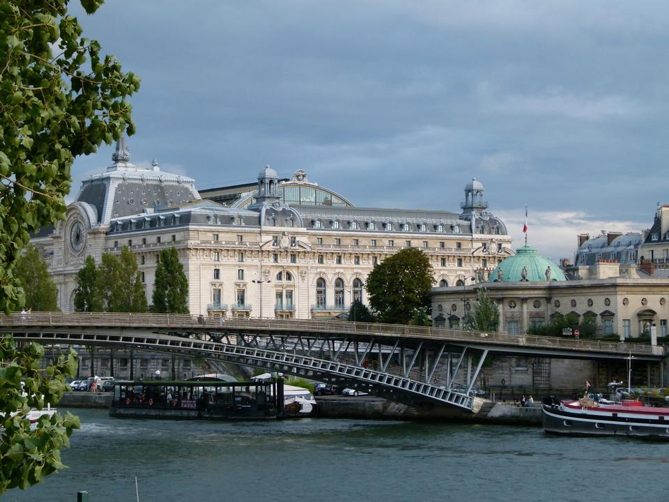 Free Pedestrian bridge Leopold Sedar Senghor. Paris.France