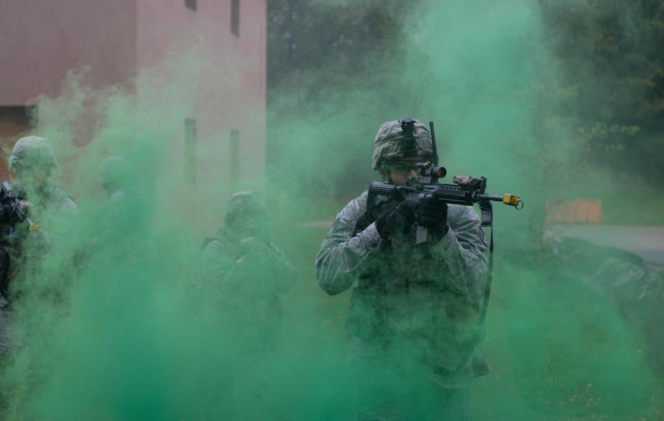 Free green smoke cover during building clearance training