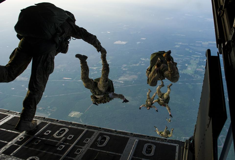 Free Special Tactics Squadron jump from an MC-130H