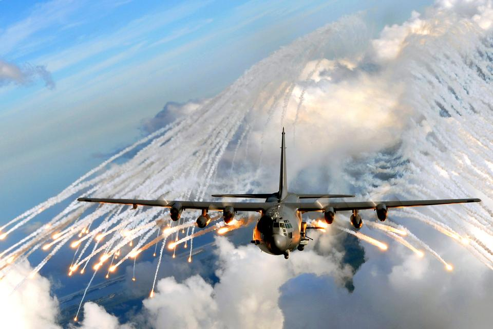 Free A U.S. Air Force gunship jettisons flares