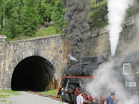 Free narrow-gauge steam engine