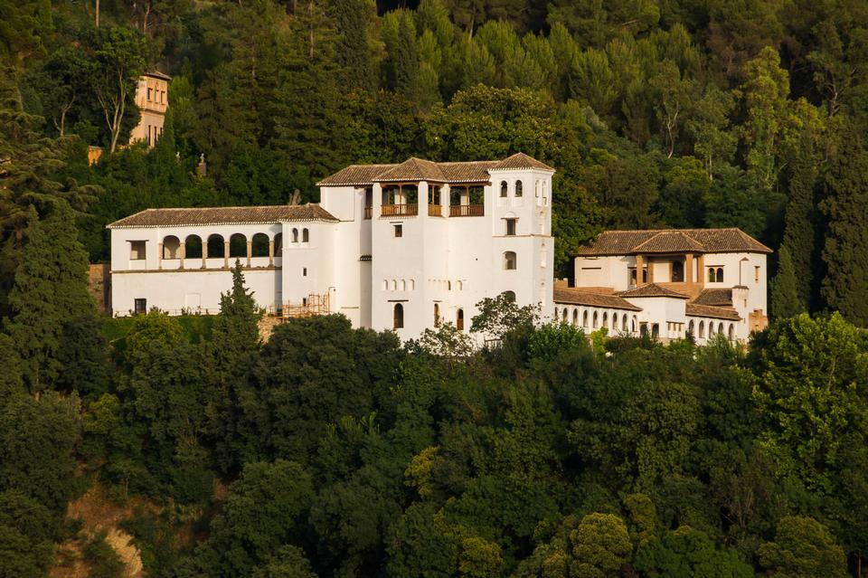 Free General view of the Alhambra from Albaicin in Granada, Andalusia