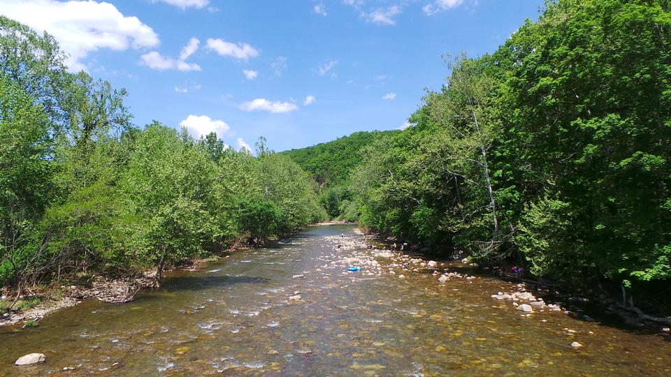 Free Spring View of Seneca Rocks River