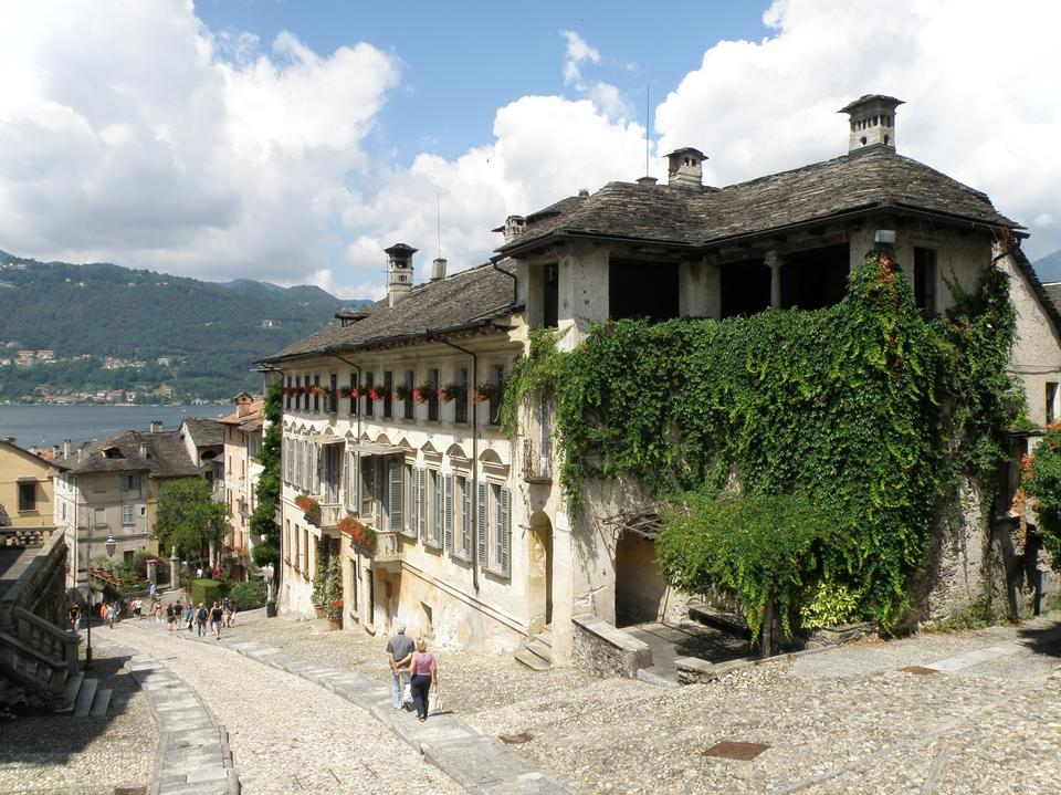 Free The cobblestone streets of Orta San Giulio in northern Italy