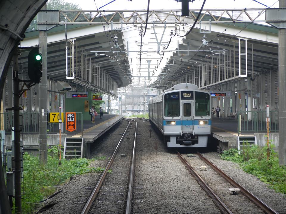Free Odakyu Nagayama platforms