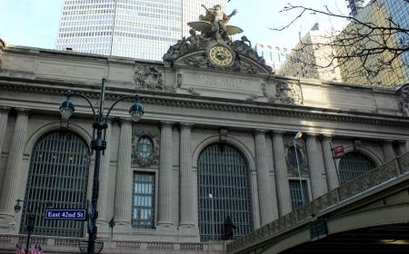 Free Traffic outside historic Grand Central Terminal in NYC