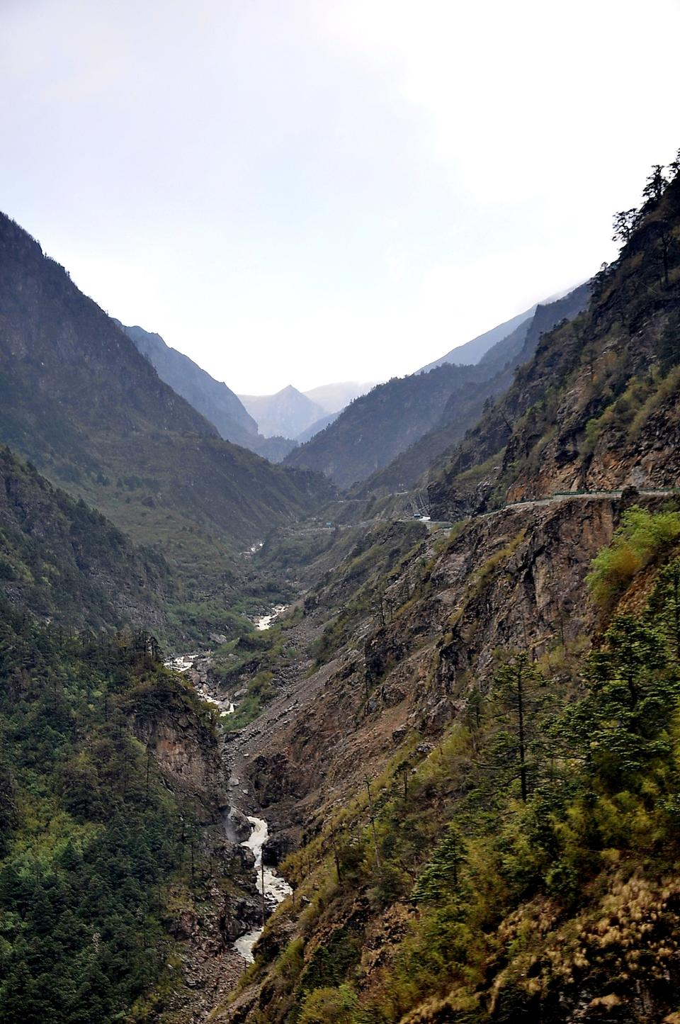 Free Friendship road from Nepal to Tibet