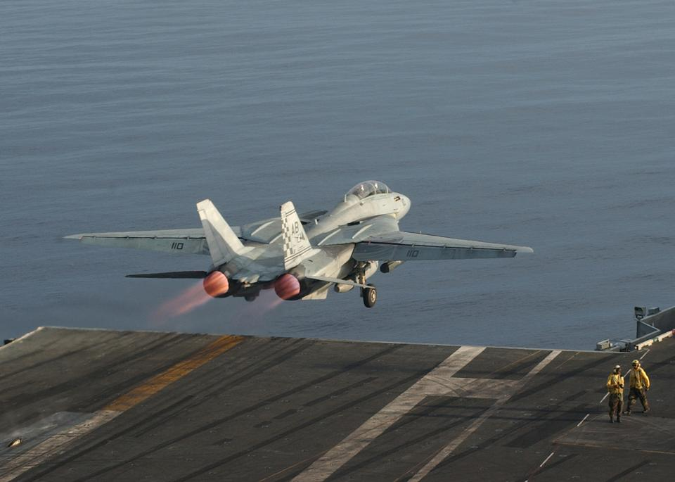 Free An F-14 Tomcat assigned to the Checkmates launches