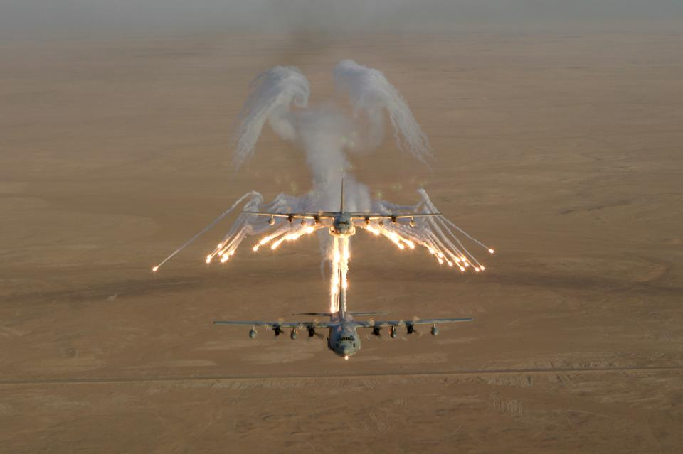 Free Aerial shot over Iraq of a KC-130 Hercules