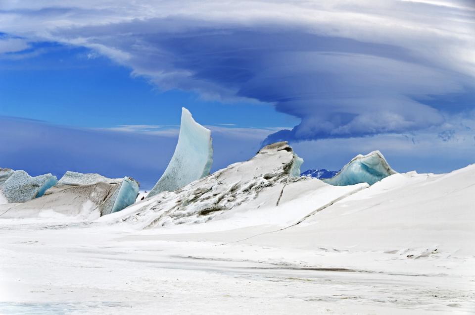 Free Wonders in the Antarctic Sky
