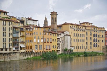 Free Ponte Vecchio view from Lungarni with Arno river