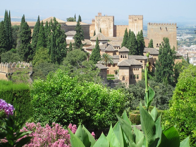 Free alhambra granada building old architecture islamic