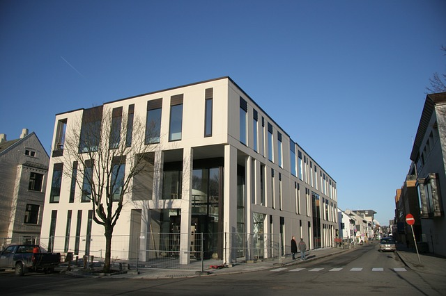 Free the courthouse in haugesund court judge building
