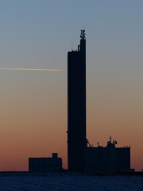 Free grain silo wintry aircraft contrail schapfe mill