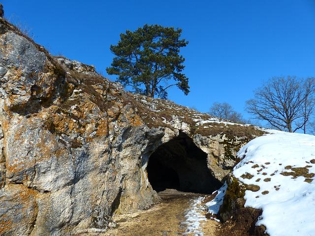 Free bird stove cave cave cave entrance niederstotzingen