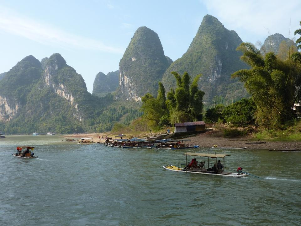 Free picturesque scenery on the Li River, Guangxi Province, Guilin