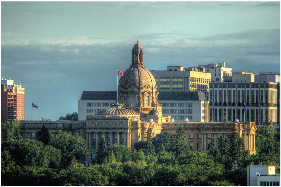 Free Canadian Parliament Building in Victoria British Columbia