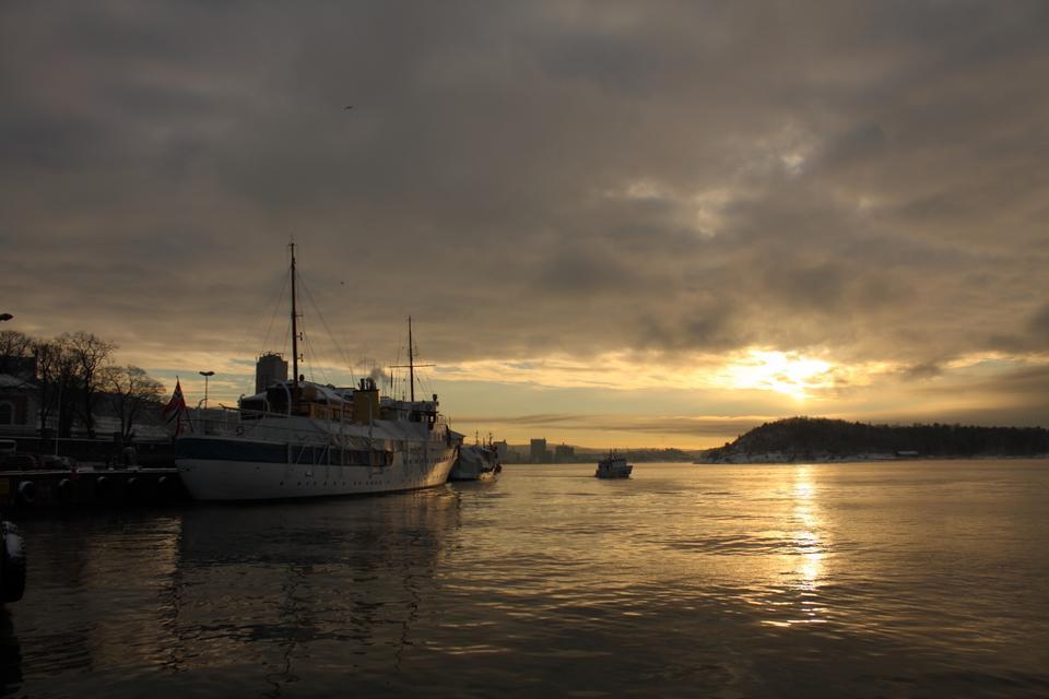 Free Oslo harbor ferry pier