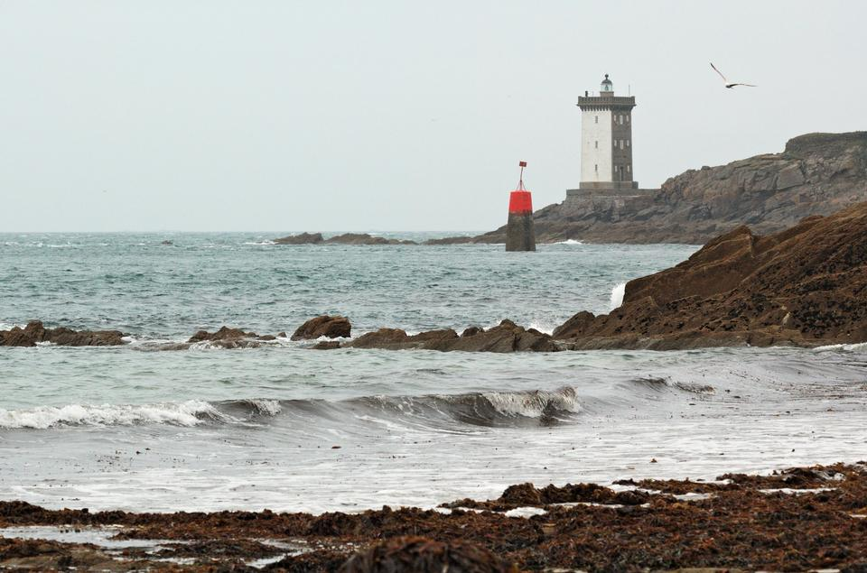 Free kermorvan lighthouse, france brittany