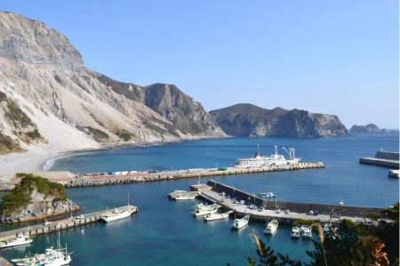 Free Blue waters of Kozu Island, Tokyo