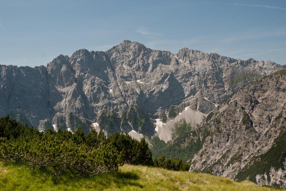 Free high peak in the eastern Hinterautal-Vomper chain in the Karwende