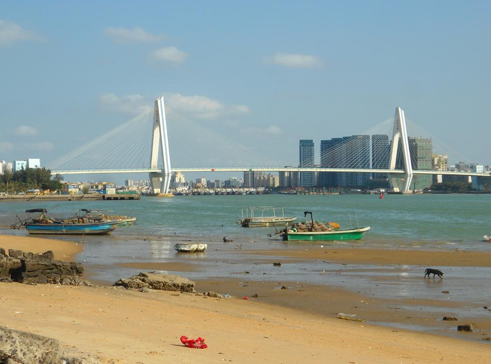 Free Haikou Century Bridge in China