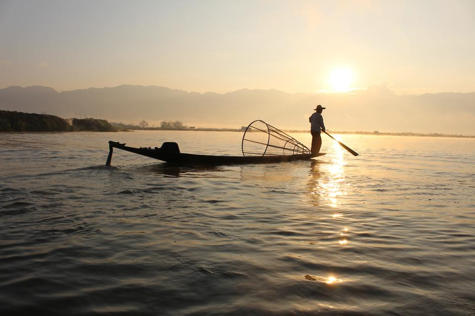 Free Fishermen during sunrise at Inle Lake