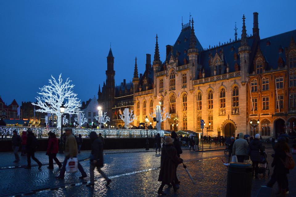 Free Grote Markt in Bruges, Belgium