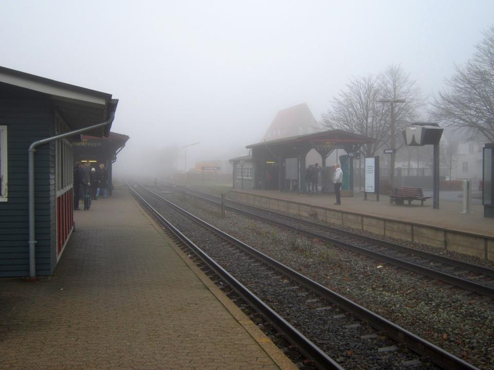 Free Bramming railway station in thick fog