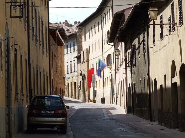 Free italy san gimagnano tuscany siena