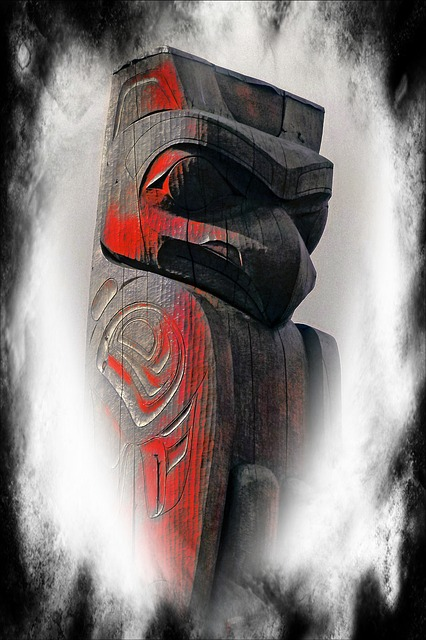 Free totem pole computer graphic textured native art
