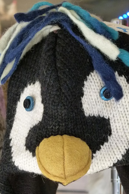 Free tuque knitted funny cap wool penguin face