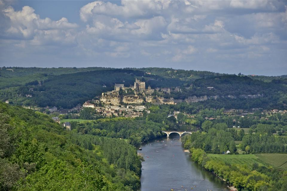 Free Castle and village of Beynac