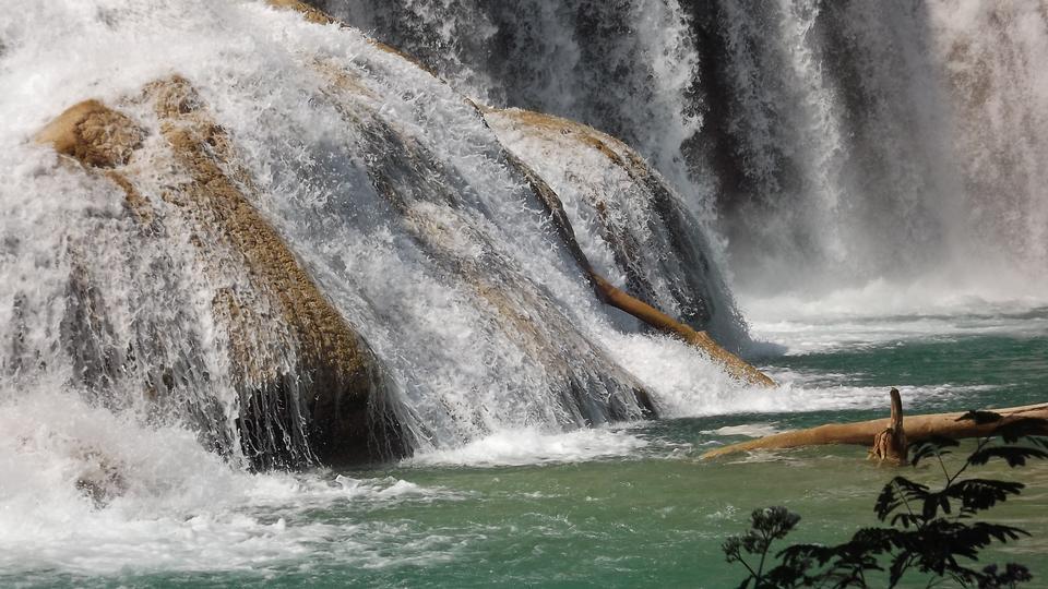 Free Agua Azul waterfal. Mexico