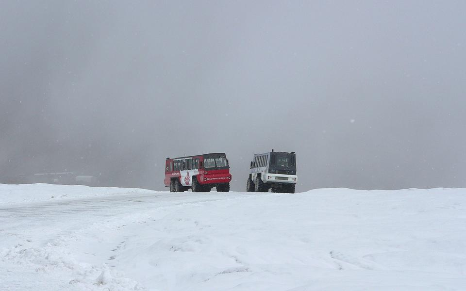 Free snow coaches pass on Athabasca Glacier